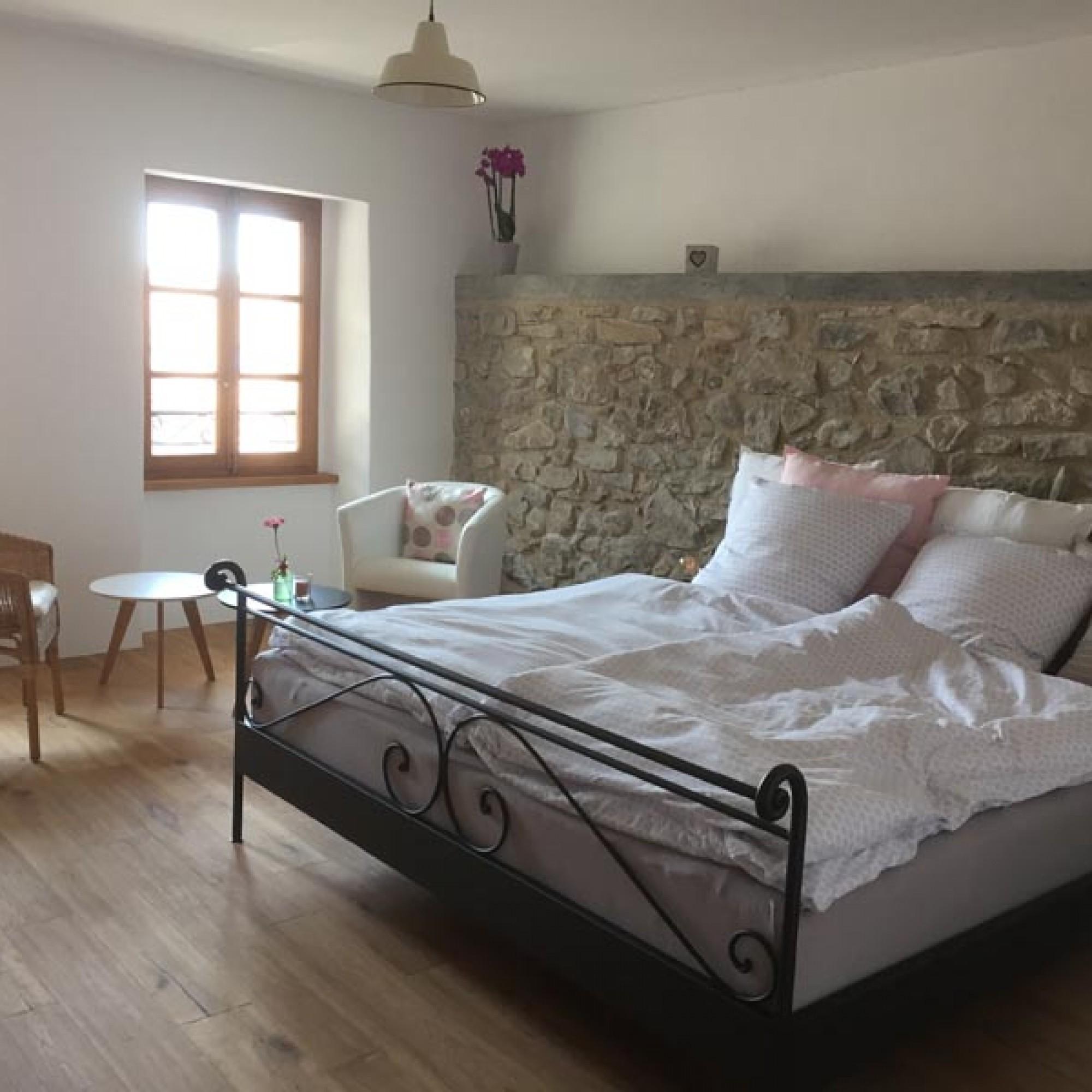 Une des trois chambres d'hôtes, récemment ouverte aux touristes.
