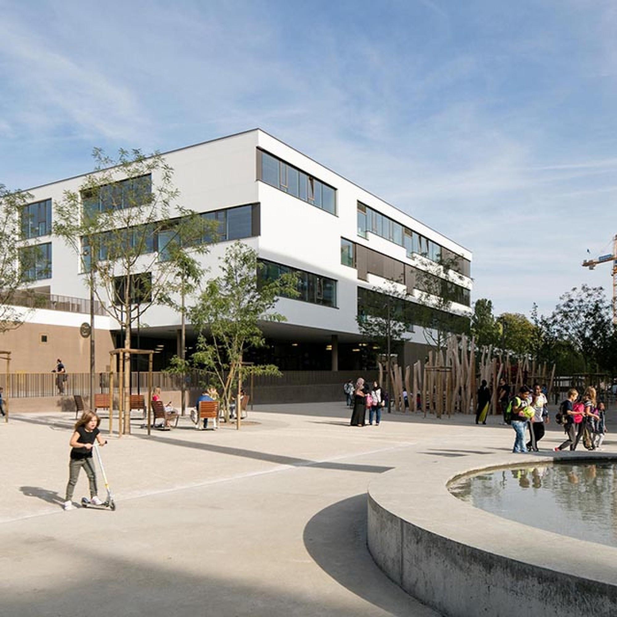 Le projet «Ecole, crèche, piscine et espace public de Chandieu», réalisé par le bureau d'architectes genevois Bonnet & cie a été particulièrement apprécié. (Image 2 sur 4) Yves André
