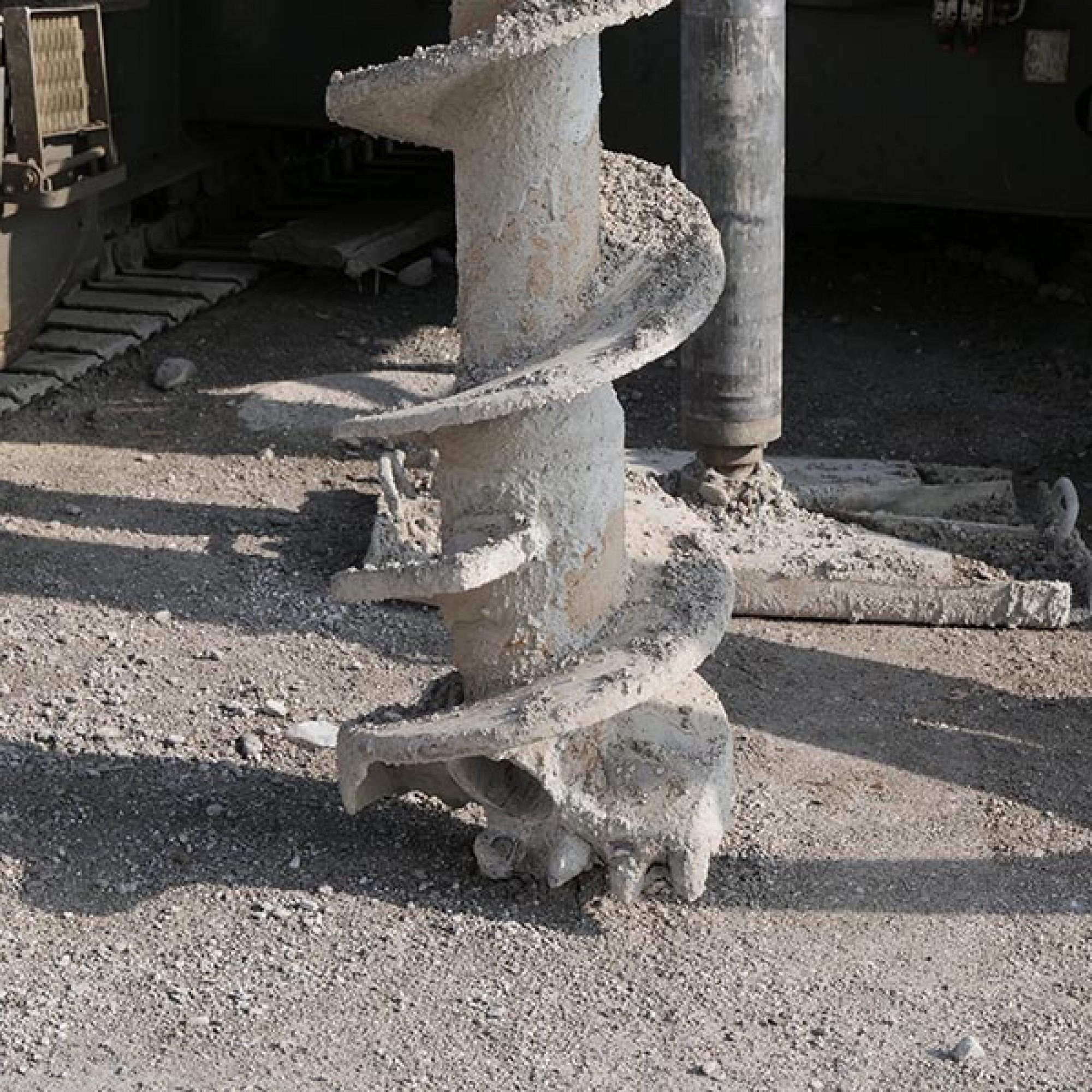 Les forages sont prévus pour des pieux longs de 5 à 17 m et d'un diamètre de 58 cm. (Image 3 sur 6) Jean-A. Luque