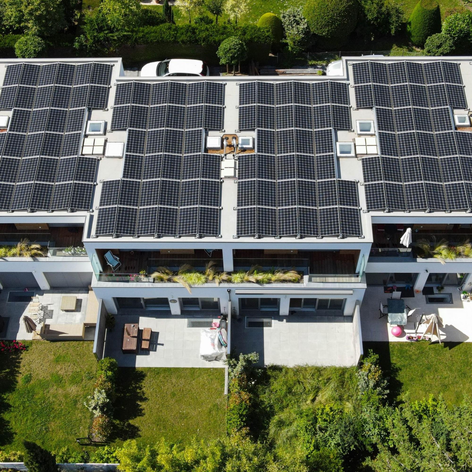 Homsphere réalise à Thônex (GE) un écoquartier composé de six villas Minergie-P contiguës et bien isolées.