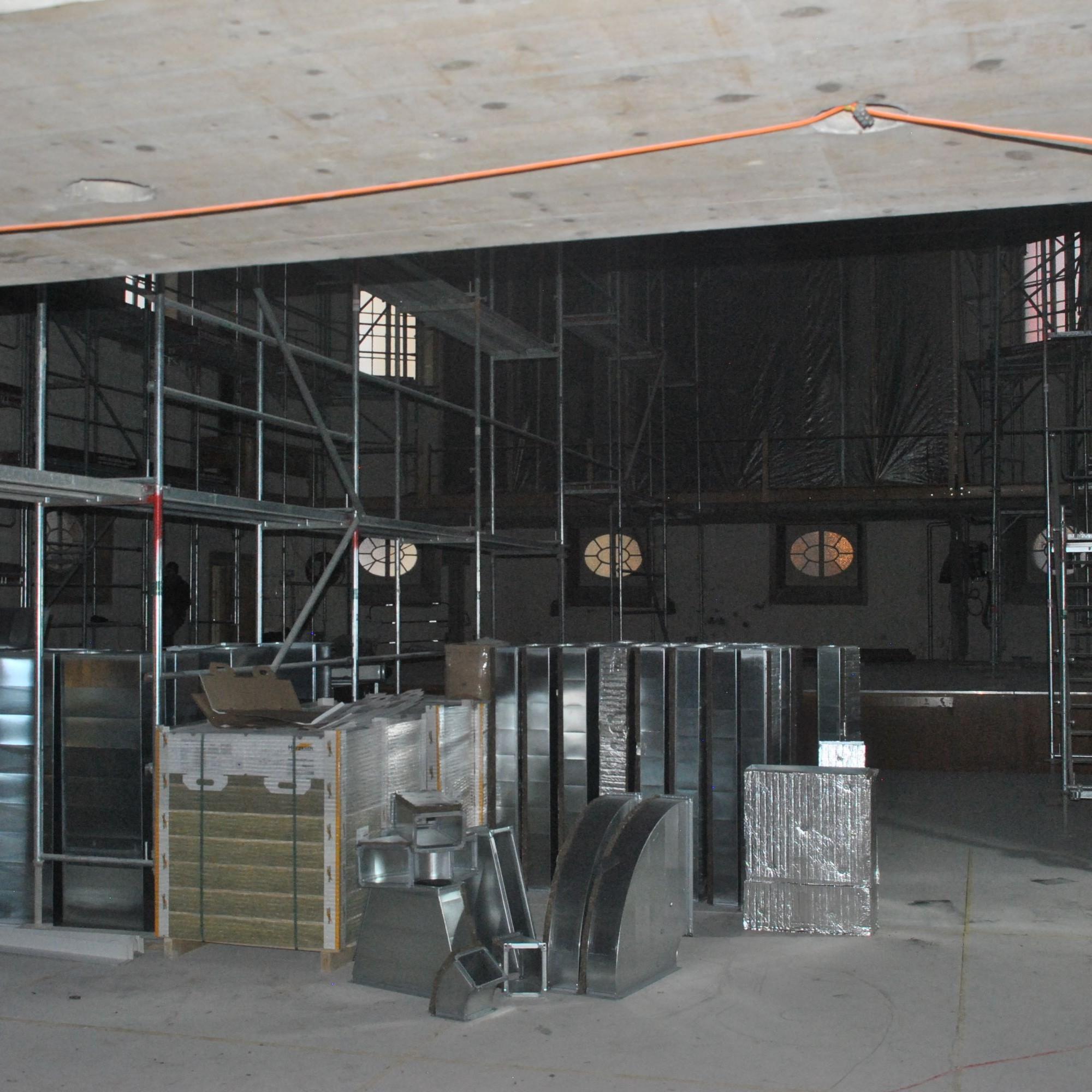 Complètement désossé il y a quelques mois, l'intérieur du Temple du Bas de Neuchâtel sera mieux isolé phoniquement à l'avenir.
