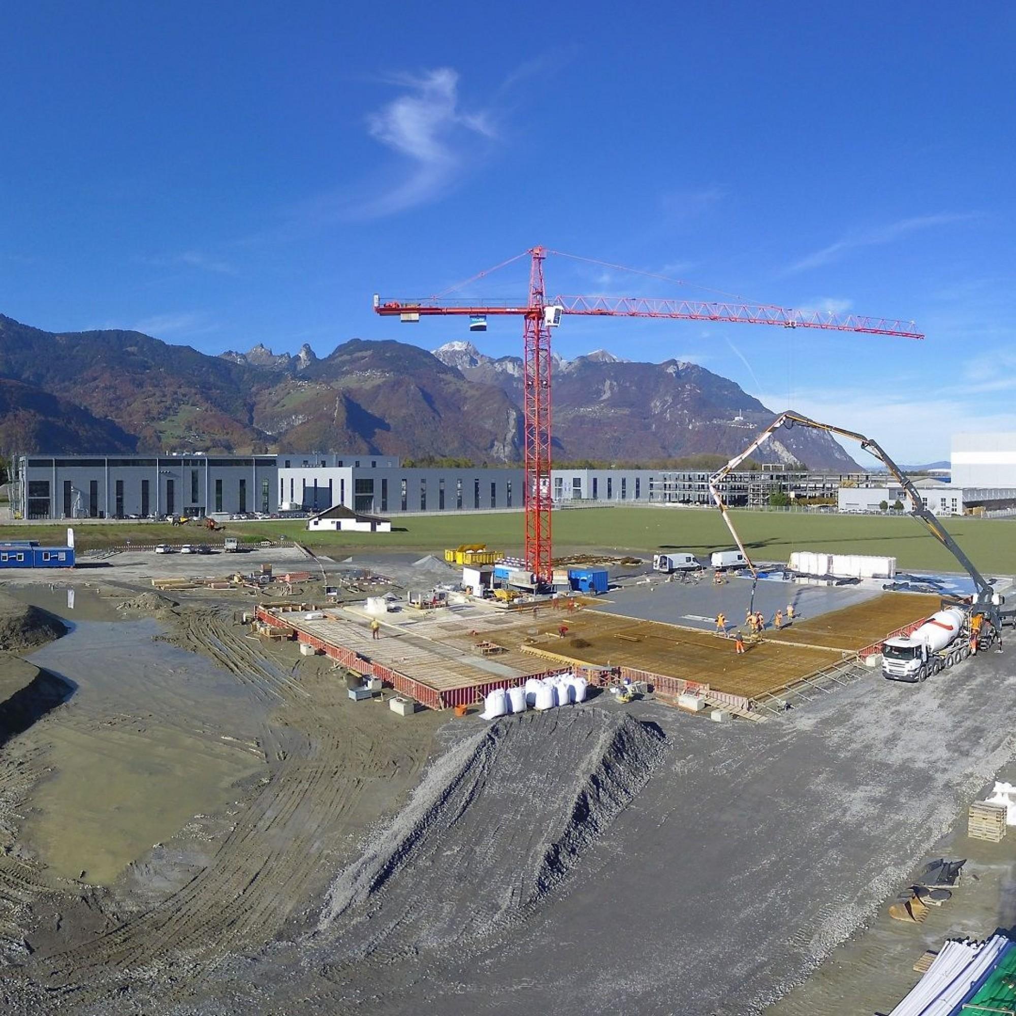 Les premières dalles du nouveau bâtiment ont pu être coulées à la fin du mois d'octobre.