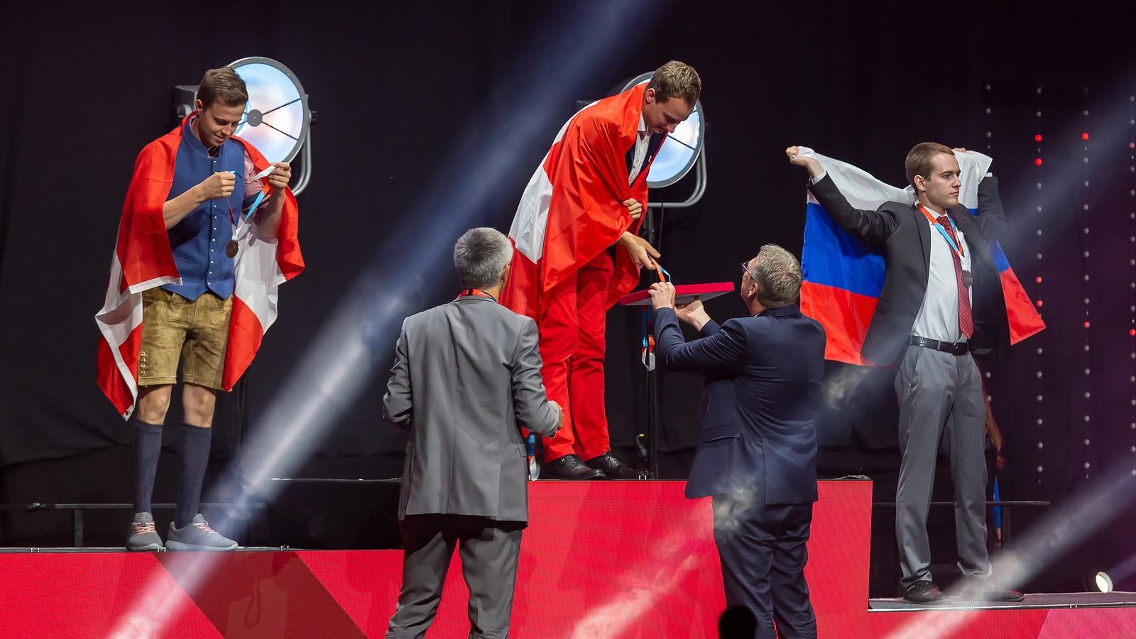EuroSkills Graz 2021 - Remise des médailles le 26 septembre:  Simon Koch Boswil/AG remporte une médaille d'or.