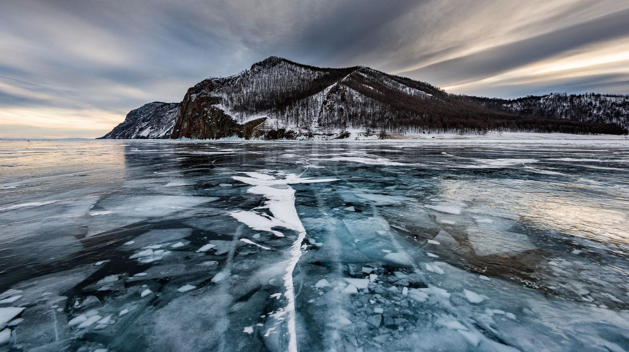 Les températures du Lac Baïkal en hiver peuvent descendre jusqu'à -20 degrés.