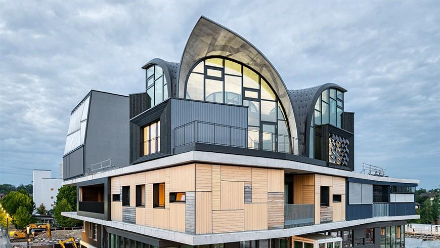 L'unité HiLo trône sur la plateforme supérieure du bâtiment de recherche et d'innovation NEST sur le campus de l'Empa à Dübendorf, en Suisse