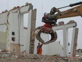 L'ARV, Association suisse pour le recyclage des matériaux de construction, encourage depuis 1990 à la déconstruction réfléchie des bâtiments, plutôt qu'à une démolition brute.