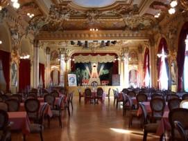L'intérieur du théâtre, avant l'incendie de 2012. © Palais L'Alcazar Facebook. Vue 1 sur 4