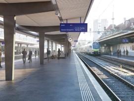 Avec des quais rehaussés, de nouvelles marquises et un deuxième passage sous-voie, la nouvelle gare de Fribourg améliorera dès 2025 le confort de ses usagers.