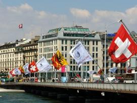 En cet été 2021, le pont du Mont-Blanc subit la première réfection majeure de son tablier et de son étanchéité depuis 1970.