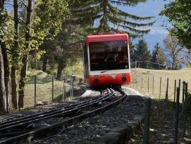 Une fois les rails changés et les gares rénovées, le funiculaire proposera trois courses directes entre Sierre et Crans-Montana par heure, au lieu d'une seule actuellement.