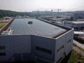 Inauguration d'une centrale solaire photovoltaïque dans la zone industrielle du Bois-de-Bay.